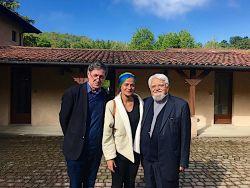 Padre Gabriel Ringlet, la caporedattrice di Panorama Fanny Cheyrou e fr. Enzo Bianchi.