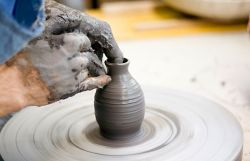 stoneware pottery of Bose