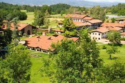 Bose, vue panoramique du monastère